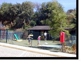Gesamtansicht des Kindergartes des Monica Isabel Beach Club Hotels in Albufeira
