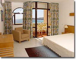 Das Schlafzimmer im Appartement 702 im Monica Isabel Beach Club Hotel in Albufeira