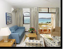 Das Wohnzimmer im Appartement 702 im Monica Isabel Beach Club Hotel