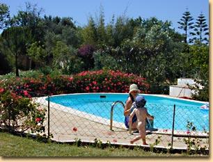 der kleine Pool beim Ferienhaus A Casinha in Lagos