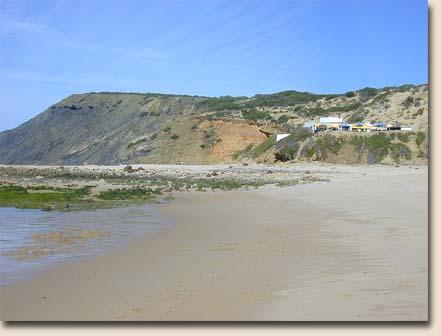 Portugal - Praia da Amoreira:  ganz hinten das Restaurant