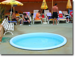 Der Kinderpool des Monica Isabel Beach Clubs in Albufeira