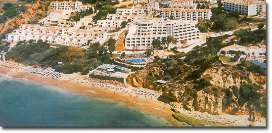 Monica Isabel Beach Club in Albufeira - Totalansicht aus der Luft