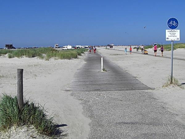 Foto des Wegs, der zum Strand führt