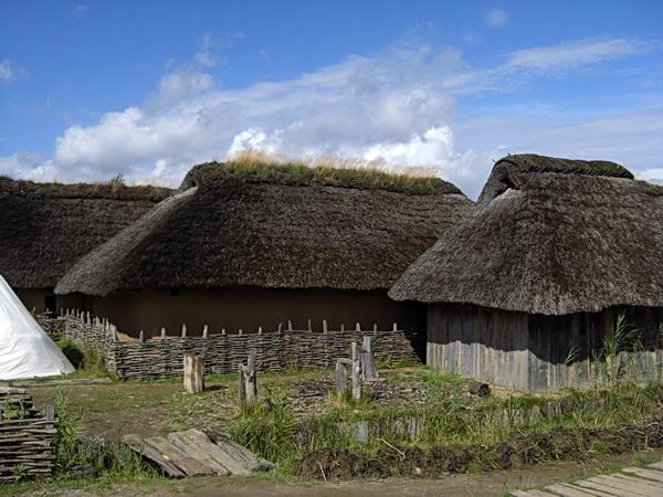 Ein paar nachgebaute Wikinger Häuser