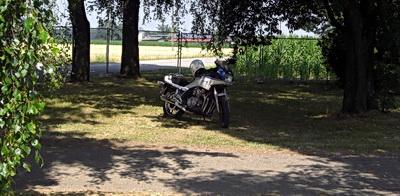Foto der getarnten XJ900F auf dem Zündapptreffen in Hartbrunn