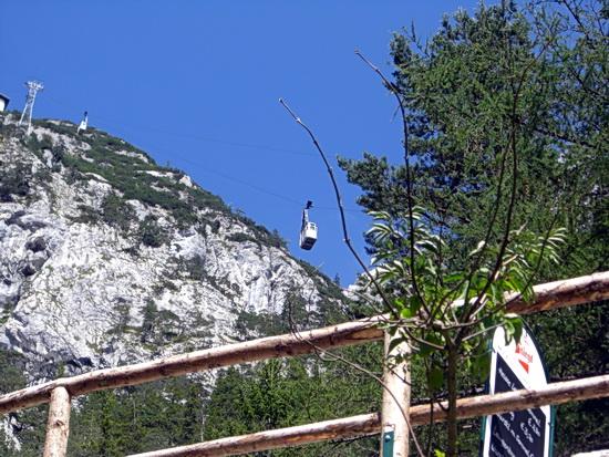 Die Seilbahn überwindet 500 Höhenmeter im Tennengebirge