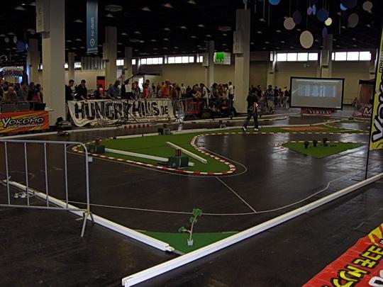 Autorennen auf dem Fußboden