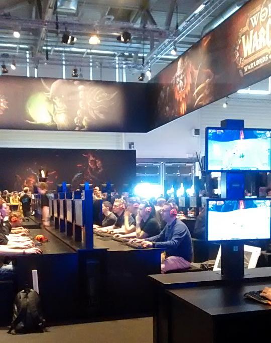 Bereiche mit vielen PCs, um die Spiele von Blizzard selber auszuprobieren