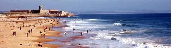 Panoramafoto des Strands von Carcavelos