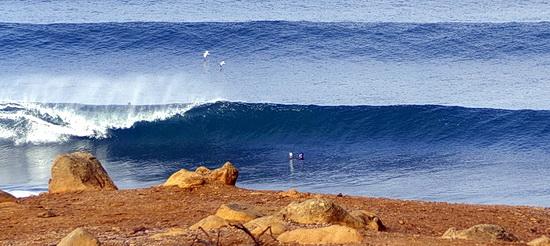 Foto von hohen Wellen in Ericeira