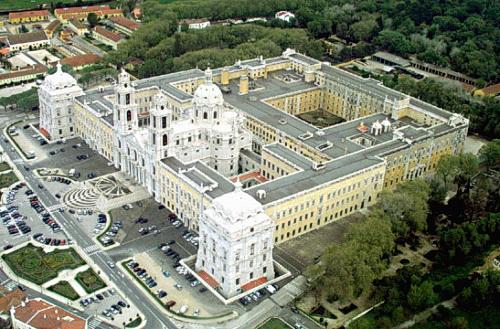 Totalaufnahme des Palácio Nacional de Mafra