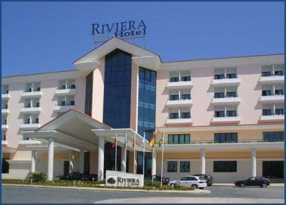 Foto vom Eingagsbereich des Riviera Hotels in Carcavelos