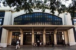 Foto des Eingangs zum Bahnhof Cais do Sodré
