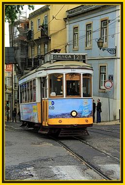 Foto von der Straßenbahn Linie 28 in Lissabon