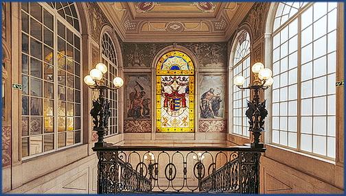 Foto vom Treppenaufgang im Palácio Chiado