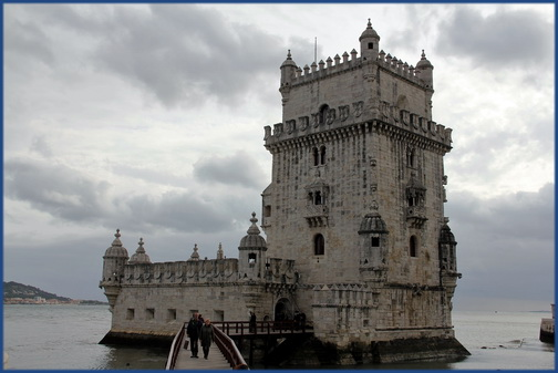Der Torre de Belém in Lebensgröße