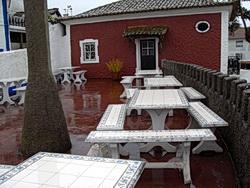 Aldeia típica de José Franco: der Außenbereich der Adega