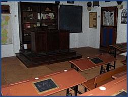 Aldeia típica de José Franco: ein voll eingerichtetes Klassenzimmer