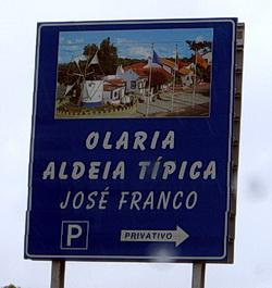 Wegweiser zur Aldeia tipica de José Franco