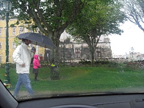 Der nationalpalast von Mafra im Regen