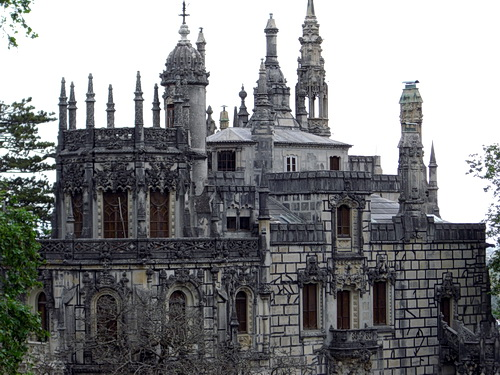 Das Hauptgebäude der Quinta da Regaleira in Sintra