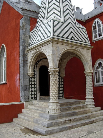 Foto des Eingangs zur kleinen Kapelle