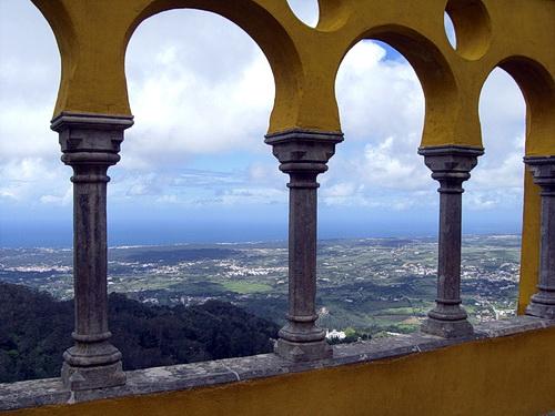 Landschaft, von der hinteren Terrase des Palácio Nacional da Pena in Sintra aus gesehen