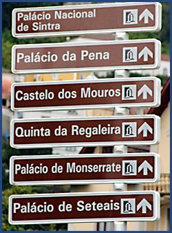 Verkehrswegweiser zu den verschiedenen Sehenswürdigkeiten in Sintra