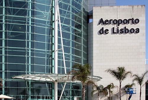Flughafen Terminal in Lissabon