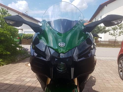 Kawasaki Ninja H2 SX SE von vorne