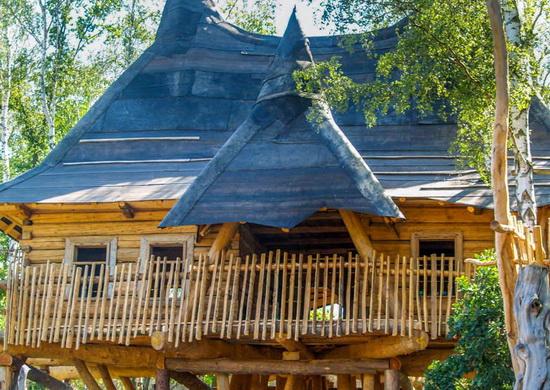 Das Museum über das Volk von Turisede befindet sich in einem Baumhaus