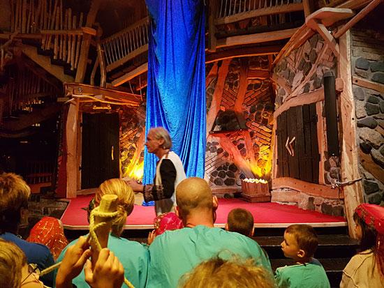 Die Theaterbühne des Krönums von Turisede