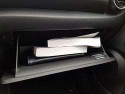Foto der Handbücher zum Hyundai Kona Electric